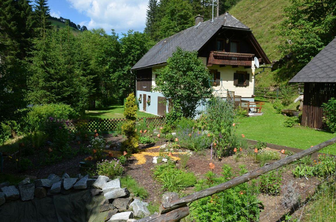Sagmeister Hütte, Sommer