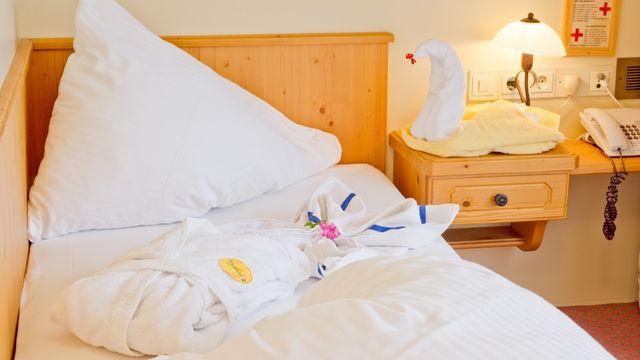 Einzelzimmer in unserer Alpenpension Claudia***