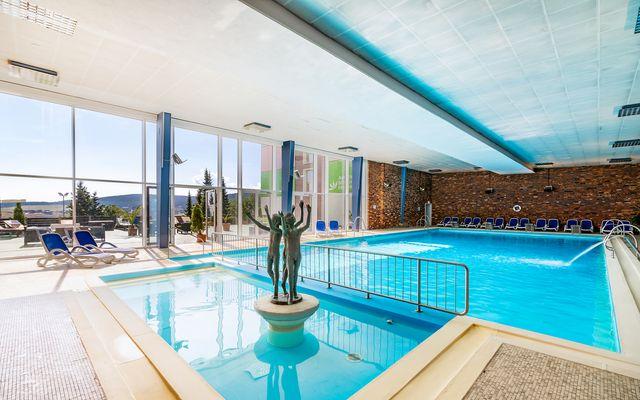 haf-innen-pool-sommer
