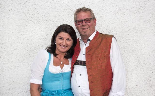 Ihre Gastgeber Christina und Hias Warter