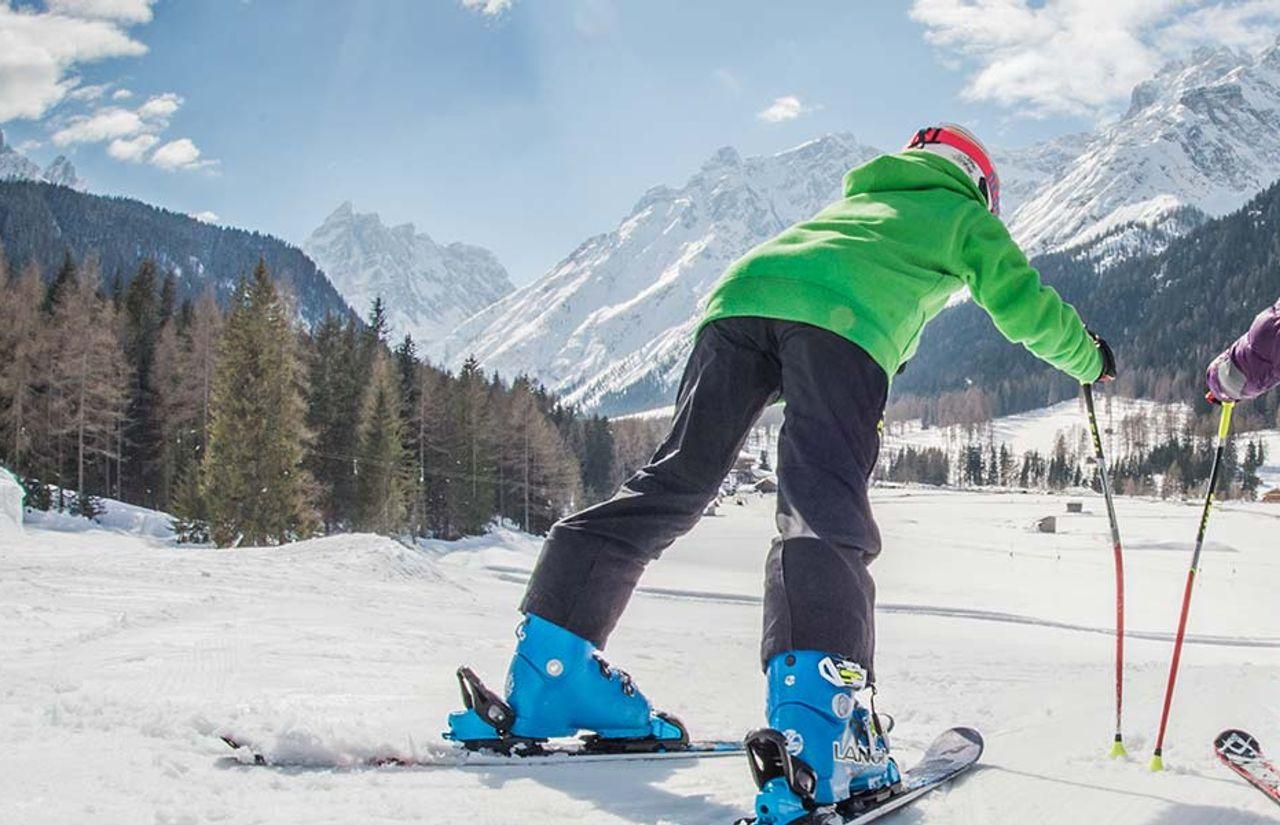Skipisten direkt anliegend - Kinder beim Skifahren