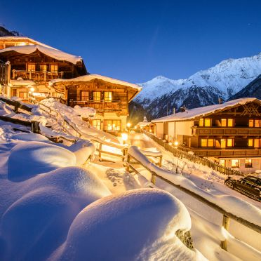 Winter, Grünwald Chalet I, Sölden, Tirol, Österreich