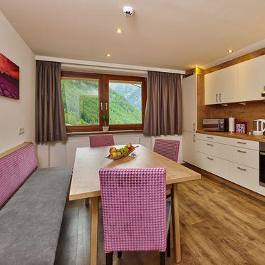 Küche, Grünwald Alpine Lodge IV, Sölden, Tirol, Österreich