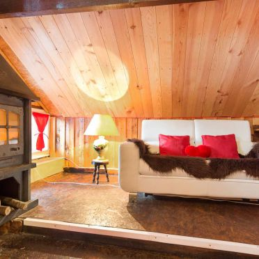 Wohnbereich, Holzfäller Hütte in La Rosiere - Vogesen, Vogesen, Elsass, Frankreich