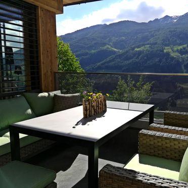 Terrasse , Naturchalet INSToul in St. Johann im Ahrntal, Südtirol, Trentino-Südtirol, Italien