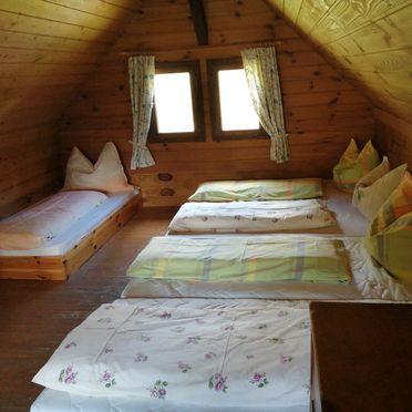 Schlafgalerie im OG, Amberger Hütte, Paternion-Fresach, Nockregion, Kärnten, Österreich