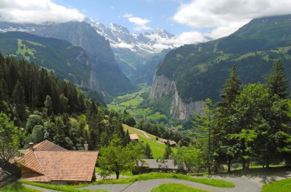Außen Sommer 1 - Hauptbild, Chalet Jungfrau an der Ledi, Wengen, Berner Oberland, Bern, Schweiz