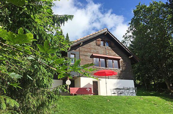Außen Sommer 1 - Hauptbild, Ferienchalet de la Vue des Alpes im Jura, La Vue-des-Alpes, Jura, Jura, Schweiz