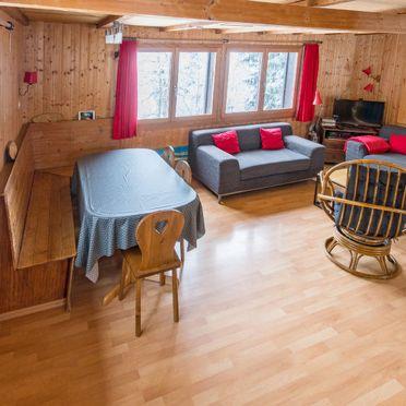 Inside Summer 5, Ferienchalet de la Vue des Alpes im Jura, La Vue-des-Alpes, Jura, Jura, Switzerland
