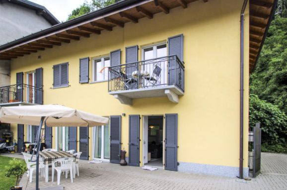 Außen Sommer 1 - Hauptbild, Villa Carmen, Brissago Valtravaglia, Lago Maggiore, Lombardei, Italien