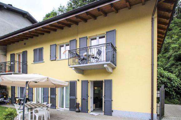 Outside Summer 1 - Main Image, Villa Carmen, Brissago Valtravaglia, Lago Maggiore, , Italy