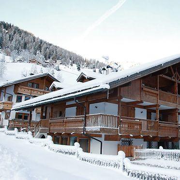 Außen Winter 40, Chalet Cesa Galaldriel, Canazei, Dolomiten, Trentino-Südtirol, Italien