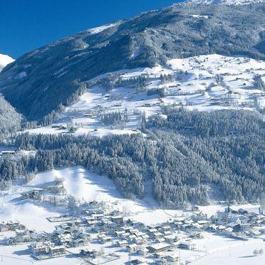 Innen Winter 45, Alm Chalet in Stumm, Stumm im Zillertal, Zillertal, Tirol, Österreich