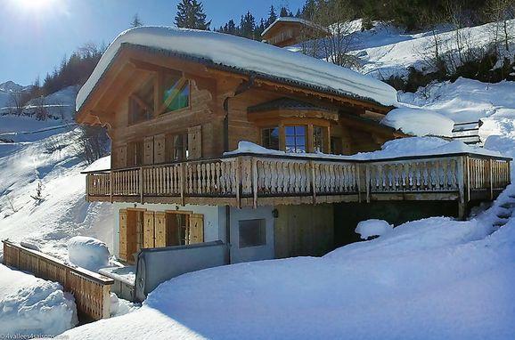 Outside Winter 2 - Main Image, Chalet Chocolat in La Tzoumaz, La Tzoumaz, Wallis, Wallis, Switzerland