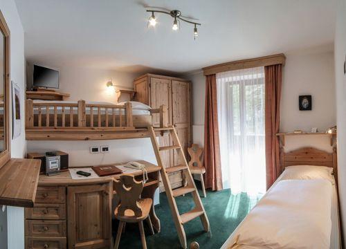 "Multi-Bed Room ""Nemus – Twin"" (1/1) - Aqua Bad Cortina"