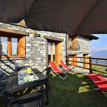 Außen Sommer 2, Rustico le Baite di Bodone, Gravedona, Comer See, Lombardei, Italien