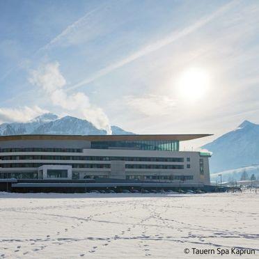 Inside Winter 56, Bauernhaus Umbichl, Uttendorf, Pinzgau, Salzburg, Austria