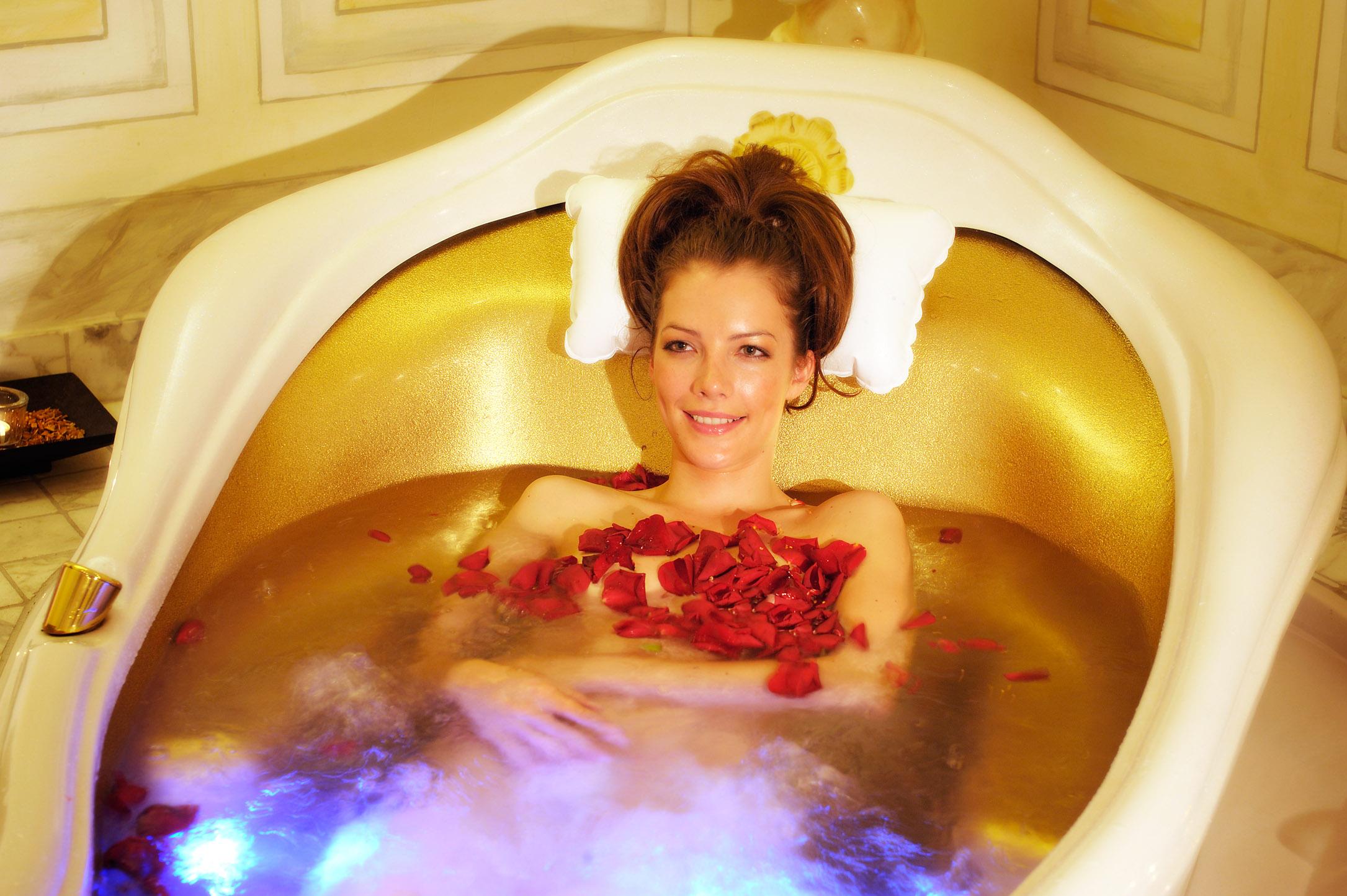 Spa baths